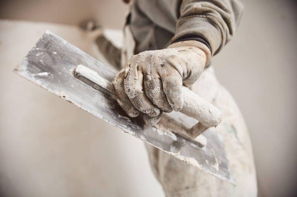 Få 3 tilbud på fuldspartling af vægge og lofter